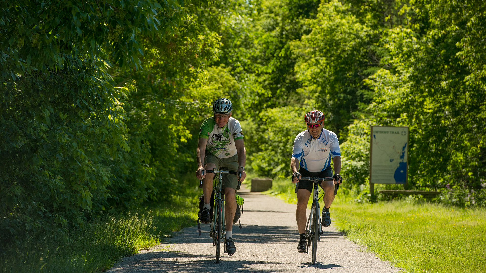 Uhthoff trail - Cycle through Ontario's beautiful scenery